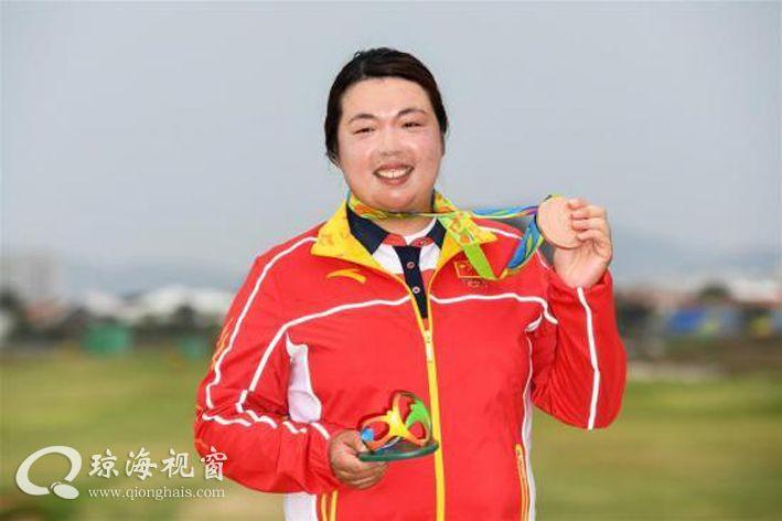 """收获中国高尔夫球首枚奥运奖牌,冯珊珊是个""""琼海妹子"""""""