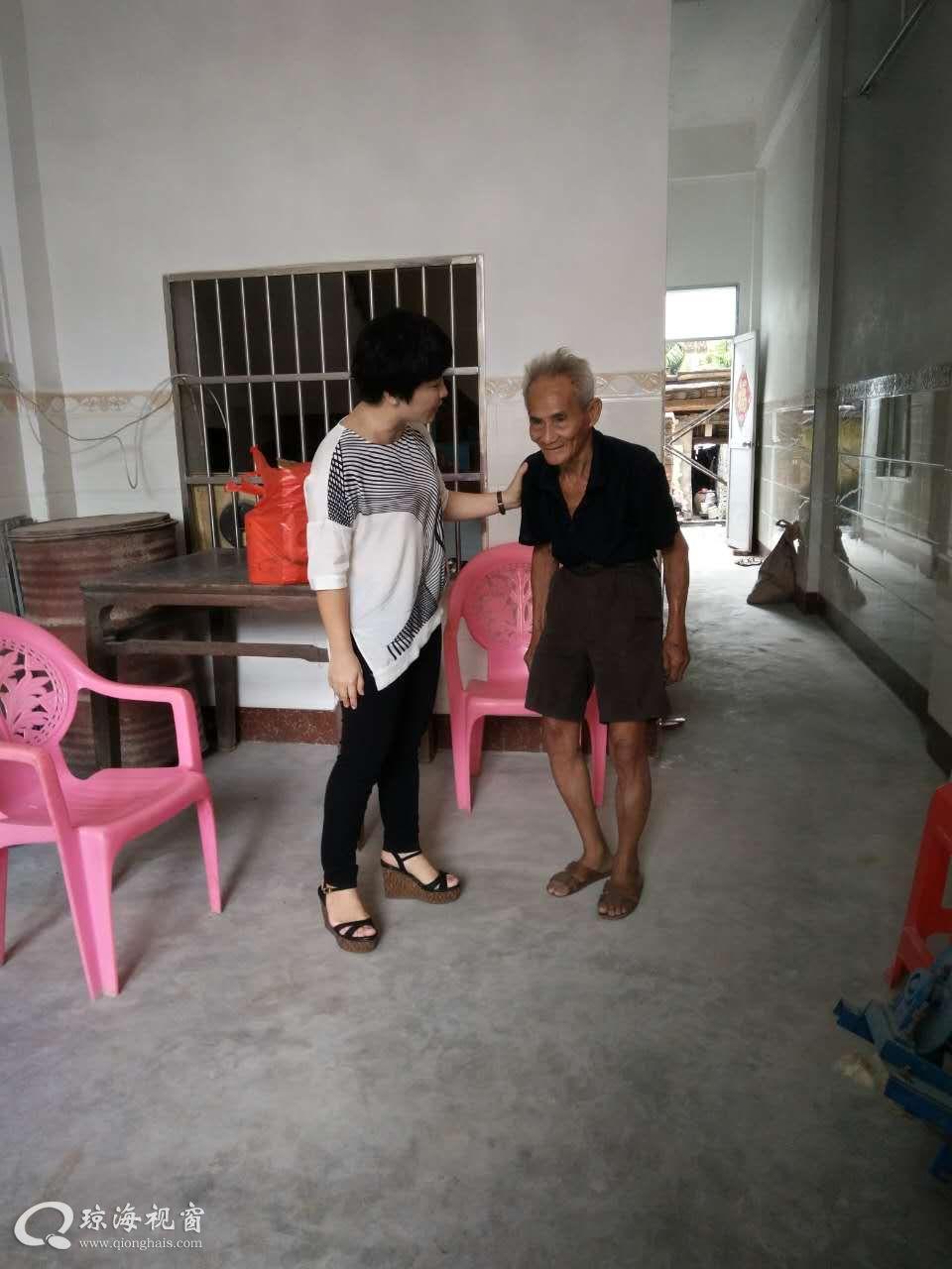 送一片真情 递一份温暖 --- 市外事侨务办到大路镇走访慰问贫困户