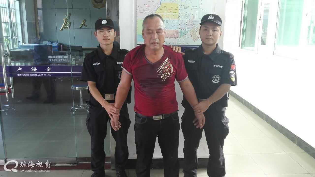 琼海:一男子袭击交警  被警方控制