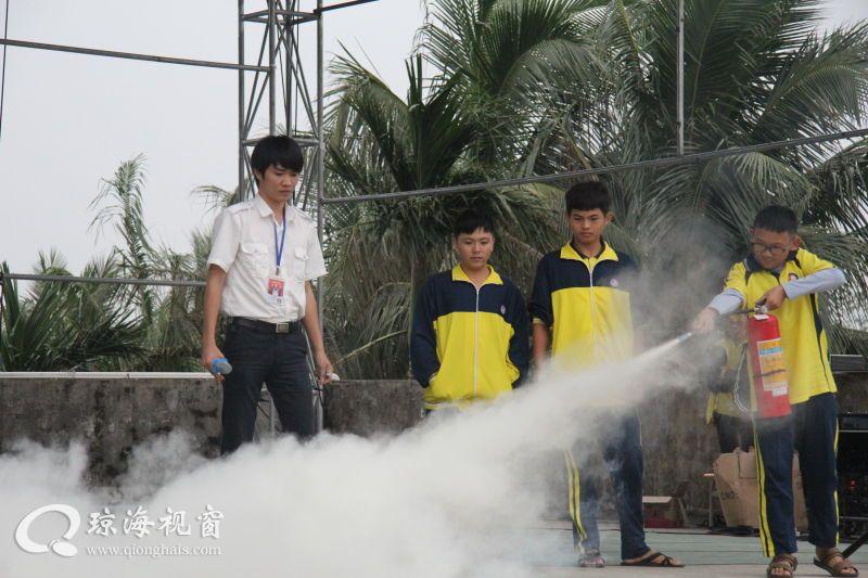 消除火灾隐患 共建和谐校园:长坡中学开展消防知识讲座