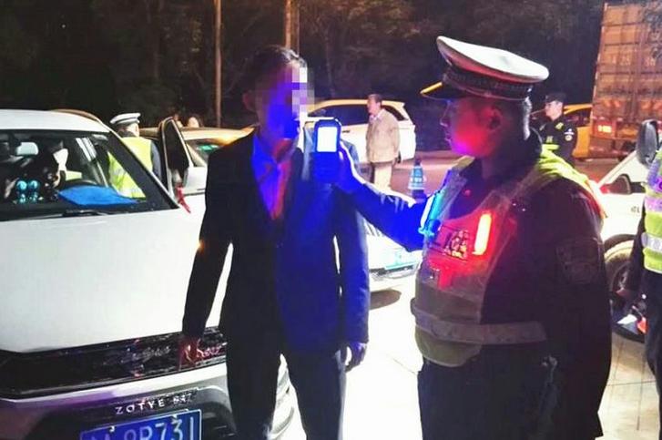 琼海警方掀起酒驾、毒驾违法行为整治高潮,保博鳌亚洲论坛年会交通安全