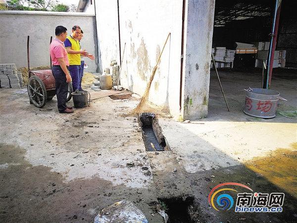 琼海一批发市场没有污水防治直排废水 被责令停业整