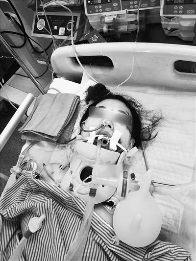 """琼海女子朋友圈视频""""晒""""巨款 第二天坠楼摔重伤"""