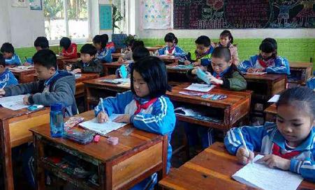 长江学校落实市局要求,认真组织统一中小学期末考试
