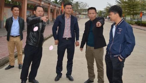 潭门镇镇长王国熊深入中心学校调研指导工作