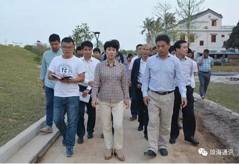 琼海市委书记何琼妹调研博鳌镇沙美村 乡村振兴工作要跟扶贫工作相结合