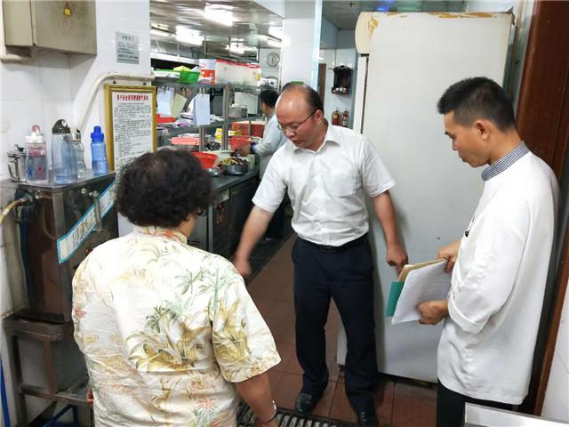琼海迅速开展2018年博鳌论坛新增外围接待酒店的食品安全检查工作