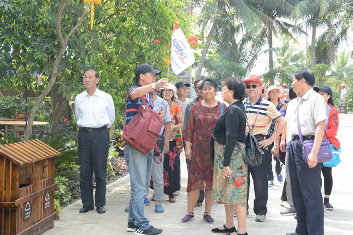 琼海博鳌南强:村里来了第一支旅游团!