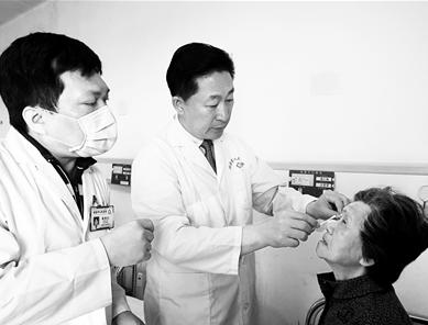 由博鳌超级医院院士团队主刀 琼海48名白内障患者获免费治疗