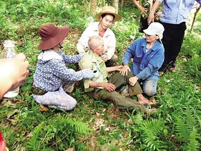 琼海89岁患老年痴呆症老人迷失竹林 百余群众彻夜搜救