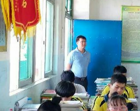 琼海市教育局领导深入长坡中学调研并指导工作