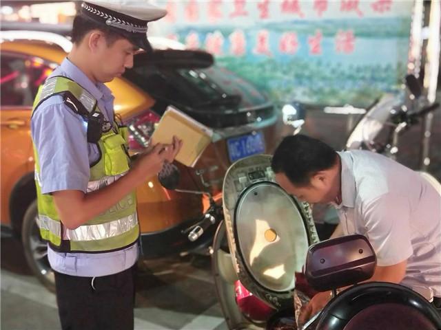 琼海交警行政拘留3名无证驾驶、准驾不符驾驶人