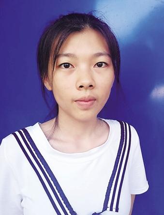 嘉积中学何小南:每天晚上学到12点,终于考上心仪大学 她想当一名白衣天使