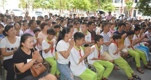 潭门镇中心学校安全工作不放假,积极迎接市局暑假安全督查