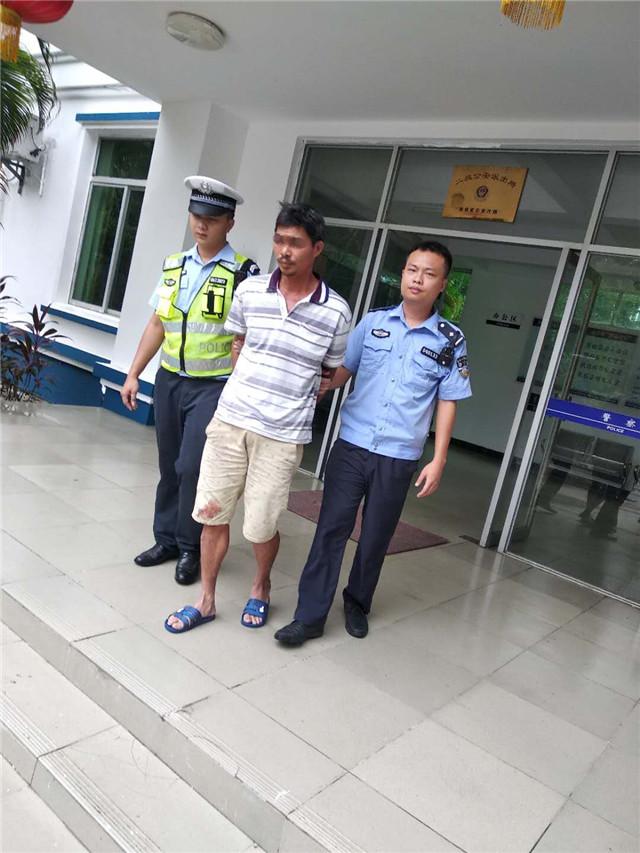 博鳌所多警联动查获一名酒驾及无证驾驶人员