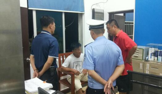 竟敢妨碍交警执法,琼海一男子被依法拘留
