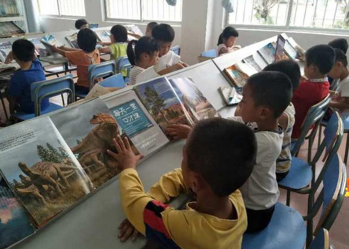 """潭门镇中心学校打造书香校园,掀起""""多读书、读好书""""热潮"""