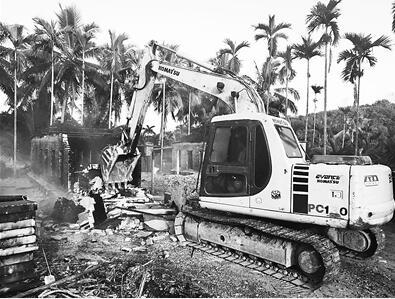 烟熏槟榔土灶经常深夜偷偷加工 琼海大力整治,一个月拆3643个土灶
