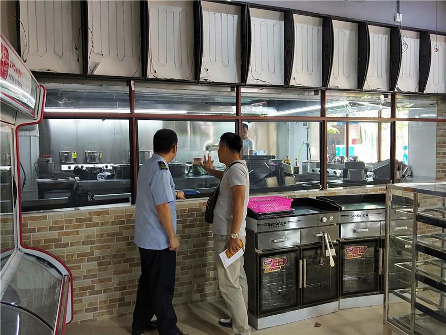"""琼海市中原食药监所指导""""透明厨房""""建设 提升辖区餐饮服务质量"""