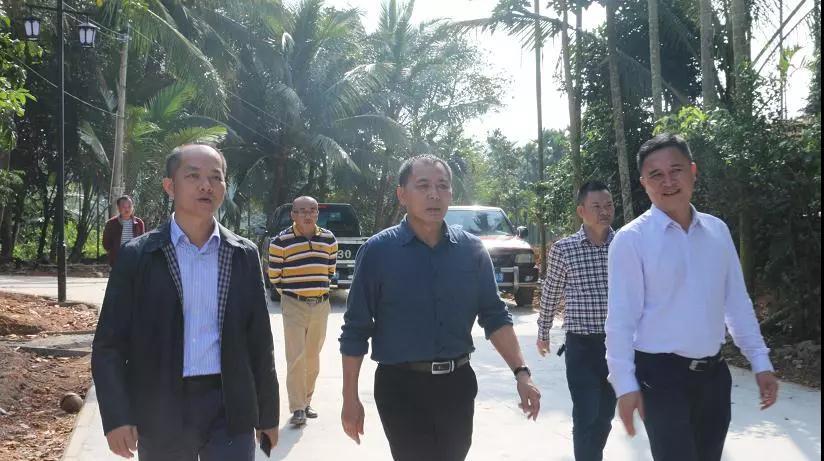 市委常委陈涛到中原镇实地调研九曲生态公园和美丽乡村项目建设情况