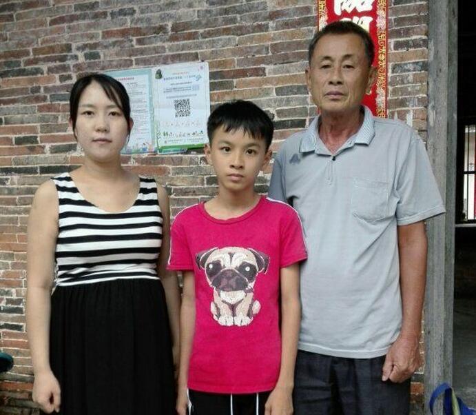 潭门镇中心学校进一步开展教育扶贫活动