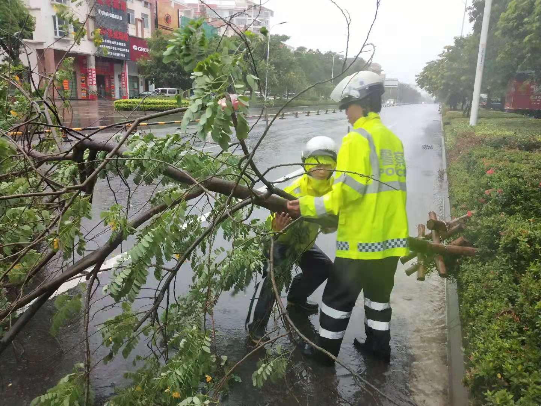 抗击台风,我们认真的!