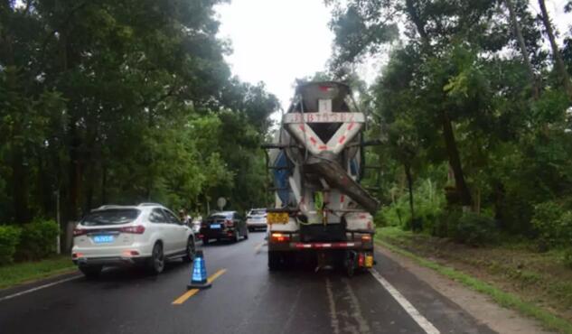琼海发生一起货车与普通二轮摩托车相撞的道路交通事故,致2人死亡