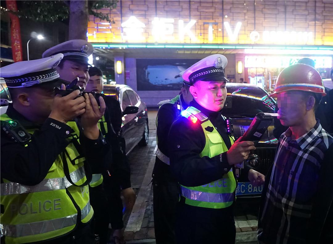 琼海交警年终岁尾开展酒驾醉驾集中夜查统一行动取得良好成效