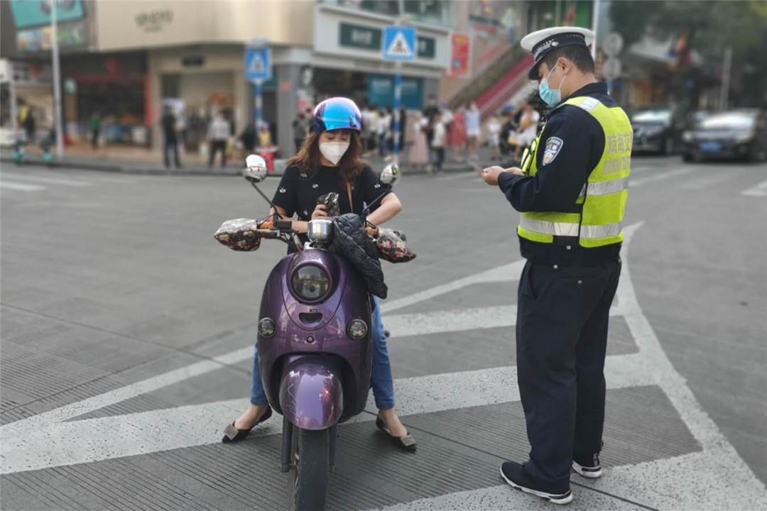 琼海公安交警重拳整治机动车涉牌涉证、非法改装违法行为