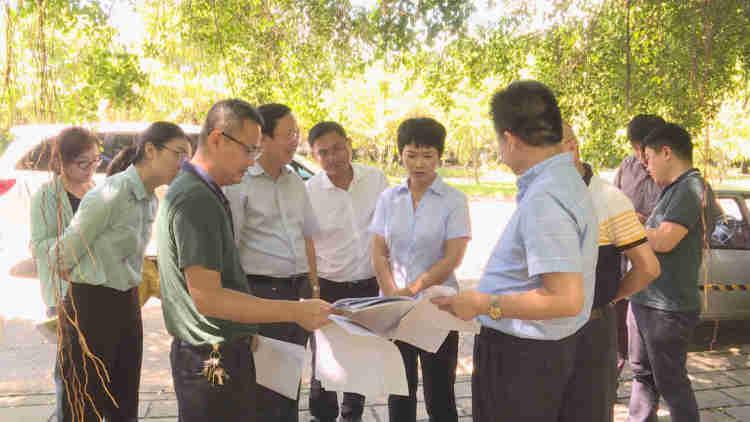 何琼妹:加快项目建设 努力实现全年经济社会发展目标