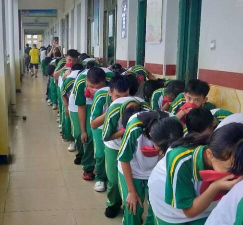 筑牢安全防线 |温泉中学举行防震防火消防安全演练活动