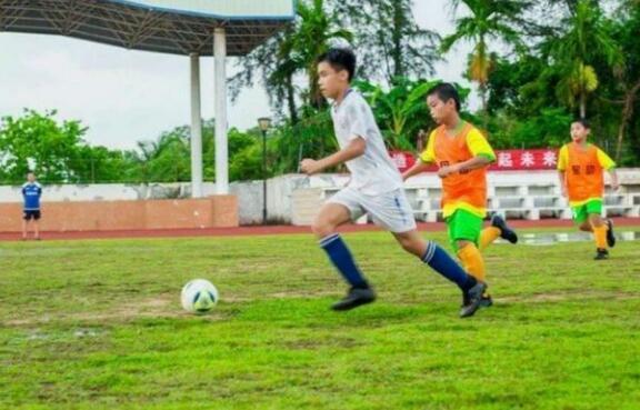 潭门镇中心学校足球队勇夺2020年全市校园足球小学组联赛桂冠
