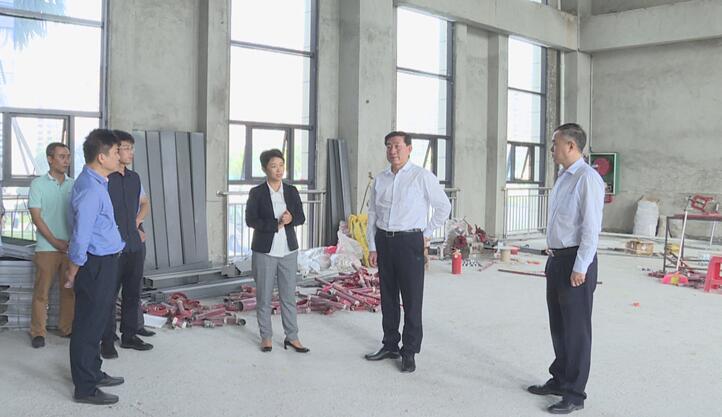 刘星泰在琼海调研时强调 加快推进社会管理信息化平台建设